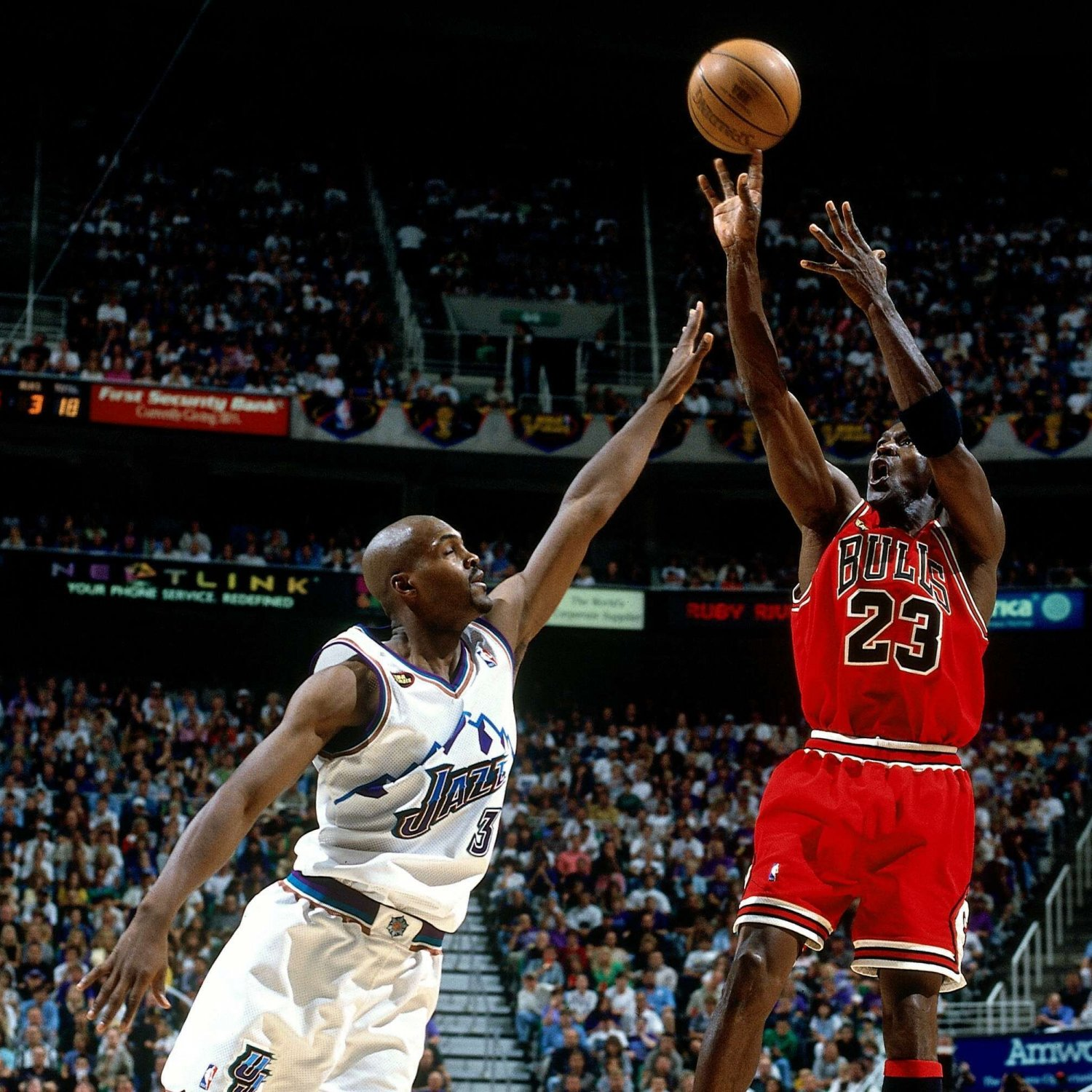 THE ART AND SCIENCE OF SHOOTING A BASKETBALL